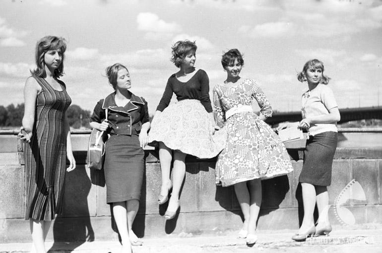 Lata 50.: historia mody, czym się charakteryzuje styl tej